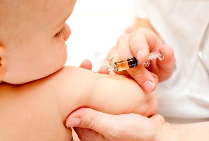 Tiêm vắc xin từ nhỏ được xem là cách phòng bệnh quai bị tốt nhất
