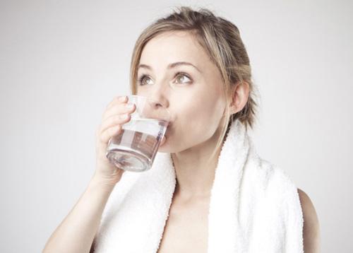 Vệ sinh khoang miệng là cách phòng bệnh viêm gai lưỡi hiệu quả