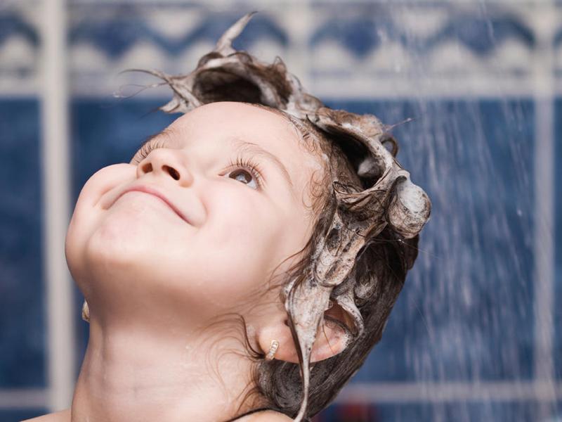 Khi mắc quai bị các bạn nên kiêng gió và nước lạnh