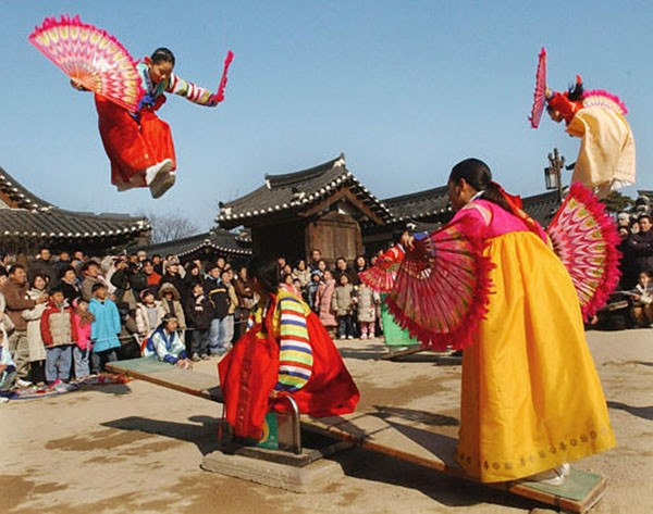 Lễ hội truyền thống tại Triều Tiên và Hàn Quốc