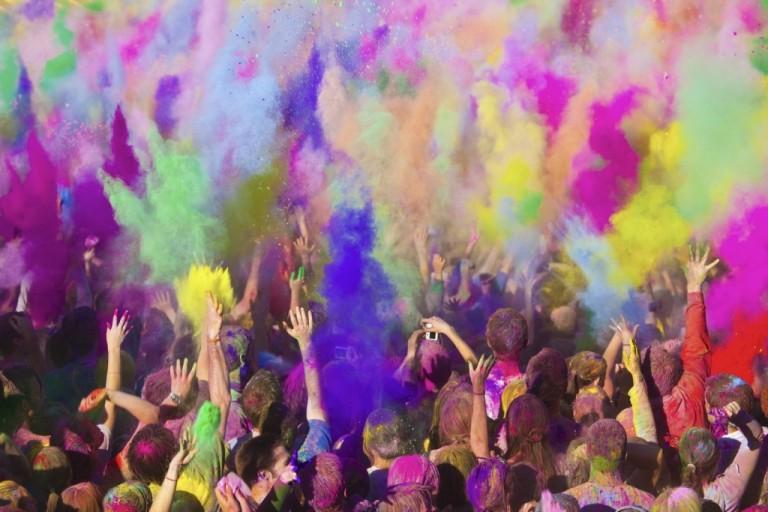 Lễ hội đầy màu sắc ở Ấn Độ nhân dịp tết nguyên đán